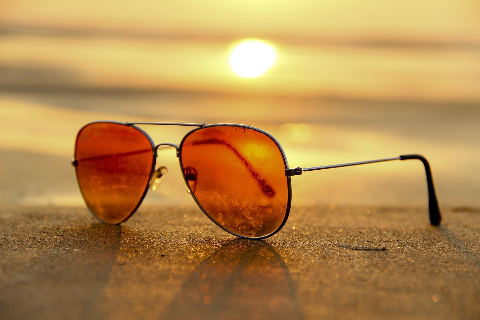 הסודות נחשפים: איך לקנות משקפי שמש אונליין?